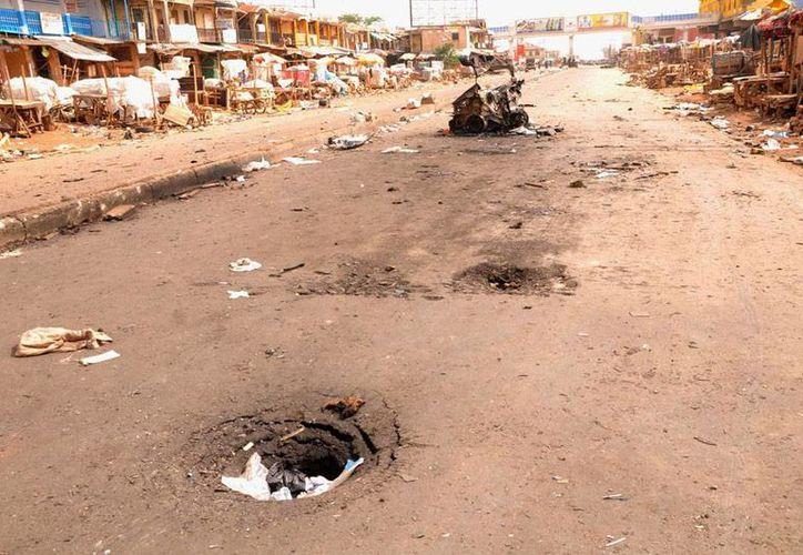 Un par de explosiones dejó saldo rojo en un mercado de Nigeria. La foto no corresponde al hecho sino a un atentado en mercado de Jos, y está utilizada únicamente como contexto. (Efe/Archivo)