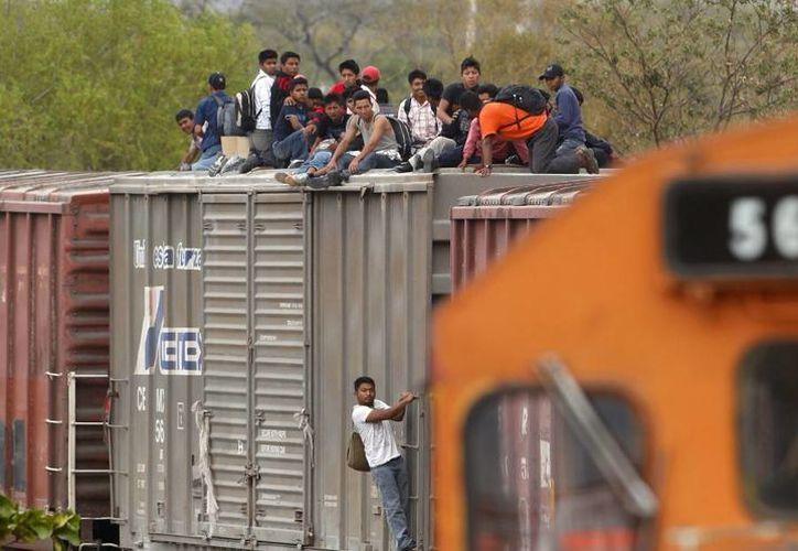 Frente al aumento en el flujo de migrantes el INM y la Policía Federal trabajan para que 'no vaya a haber una agresión o un problema de falta de seguridad'. (Archivo/AP)