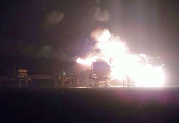 Greenpeace lamentó el incendio en la plataforma Abkatún Alfa y aprovechó para mandar un mensaje: el petróleo no es opción como fuente de energía del futuro. (SIPSE)