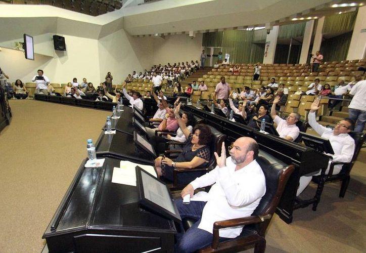 El Congreso del Estado aprobó por unanimidad la nueva Ley de los Derechos de Niñas, Niños y Adolescentes de Yucatán. Imagen de la sesión del Congreso del Estado. (Milenio Novedades)