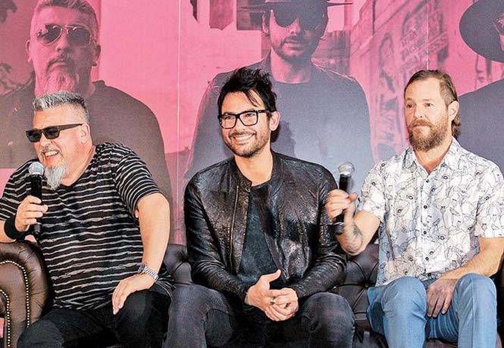 El nuevo álbum de la banda chilena saldrá a la venta el próximo viernes. (Foto tomada de Facebook/La Ley)