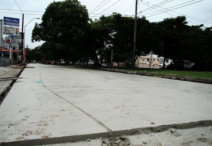 Actualmente se reconstruye el carril oriente de la calle 60 norte. (Milenio Novedades)