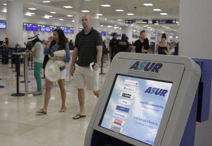 Es obligatorio entregar a los clientes las facturas electrónicas. (Israel Leal/SIPSE)
