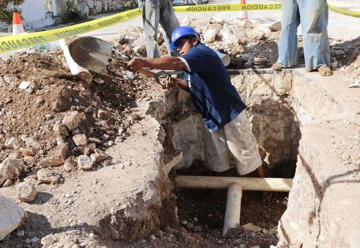 En este 2014 se han realizado diversos trabajos de ampliación de red de agua potable en colonias y comisarías de Mérida. (SIPSE)