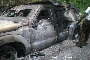 Asaltan e incendian camioneta de valores