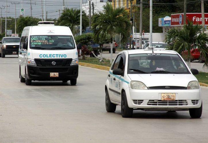 Se estima que al menos uno de cada 10 conductores de taxis y combis consume alguna droga.  (Adrián Monroy/SIPSE)