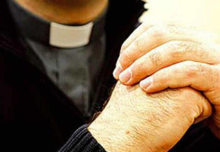 El obispo Jesús Delgado, de 77 años, se desempeñaba como Vicario General de la Arquidiócesis de San Salvador.
