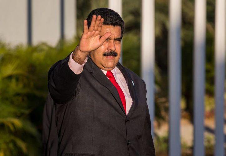 Nicolás Maduro dice que será el pueblo quien decida si sigue o no en el poder. (EFE)