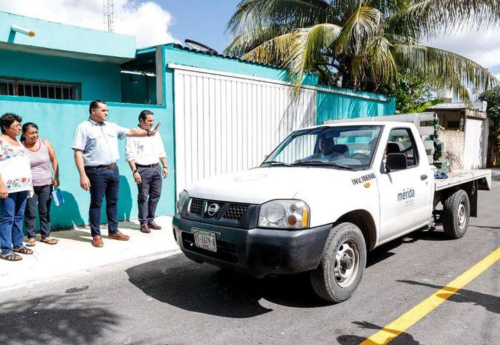 El alcalde Renán Barrera supervisó las cuadrillas municipales. (Novedades Yucatán)