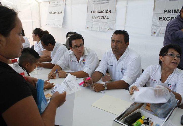 """La entrega fue en el domo de la unidad deportiva """"Jacinto Canek"""". (Sergio Orozco/SIPSE)"""
