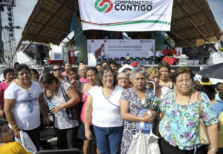 Un grupo de 65 mujeres del municipio de Benito Juárez inicia participación en tres cursos que ofrece a través del Instituto Quintanarroense de la Mujer (IQM) y el Servicio Estatal del Empleo. (Cortesía/SIPSE)