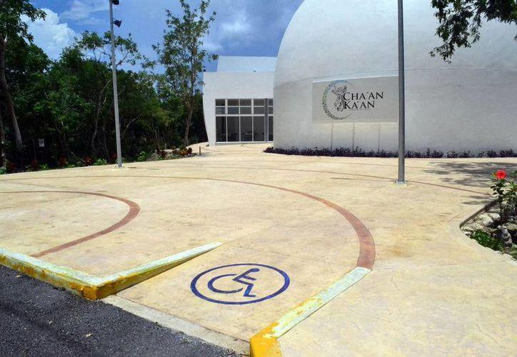 El Planetario de Cozumel ha recibido gran afluencia de visitas a dos semanas de su inauguración. (Redacción/SIPSE)