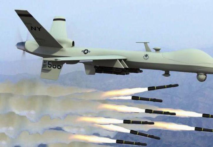 Imagen de uno de los drones que transporta y lanza misiles contra el enemigo. (lacolumna.cat)