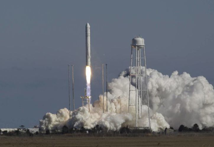 El despegue del cohete de prueba, desde las Islas Wallops, en Virginia. (Agencias)