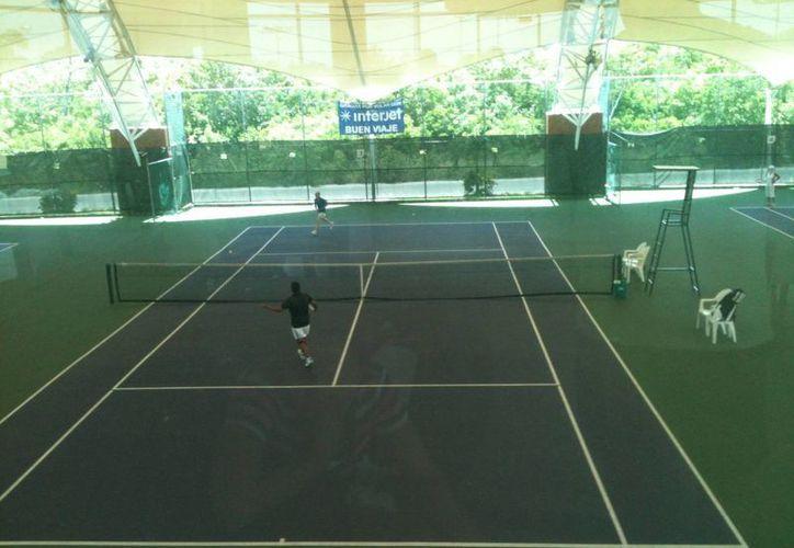 Inició la primera ronda del torneo con enfrentamientos en distintas categorías. (Ángel Mazariego/SIPSE)