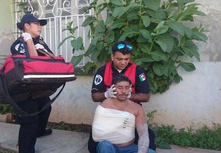 El más lesionado en el derrumbe fue el albañil Luis Xool Cab, de 40 años. (Francisco Puerto/SIPSE)