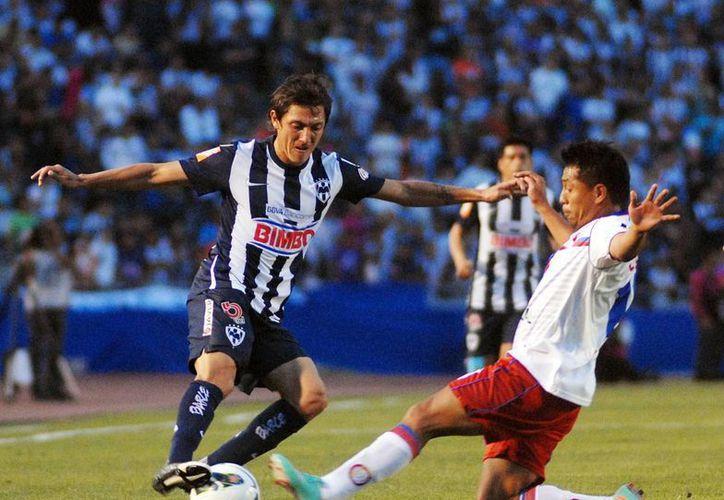 Monterrey empató este martes 1-1 con el Xelajú de Guatemala y por marcador global de 4-2 clasificó a semifinales de la Liga de Campeones. (Notimex)