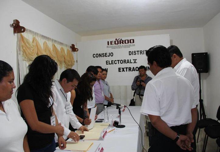 En sesión extraordinaria el Consejo Distrital Electoral de Tulum, puso fin a sus labores. (Rossy López/SIPSE)