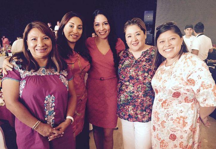 La asociación realizó un evento para distinguir a las empresarias. (Victoria González/SIPSE)