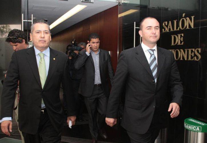 Los senadores Manlio Fabio Beltrones y Luis Alberto Villarreal. (Milenio)