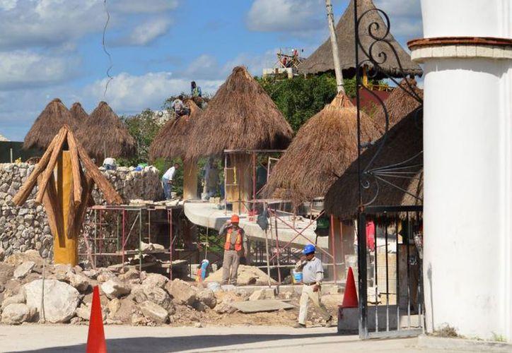 Las obras avanzan en el área de Xoximilco. (Karim Moisés/SIPSE)