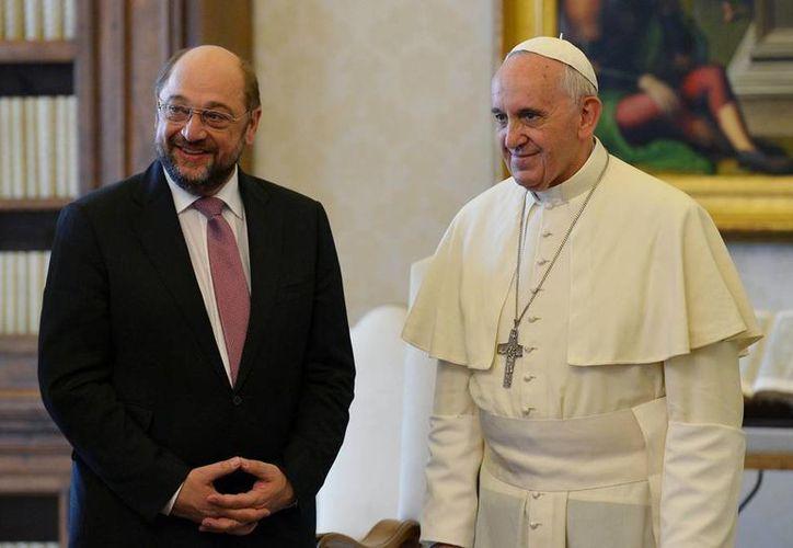 El Papa y el presidente del Parlamento Europeo dialogaron durante media hora con la ayuda de dos intérpretes. (Agencias)