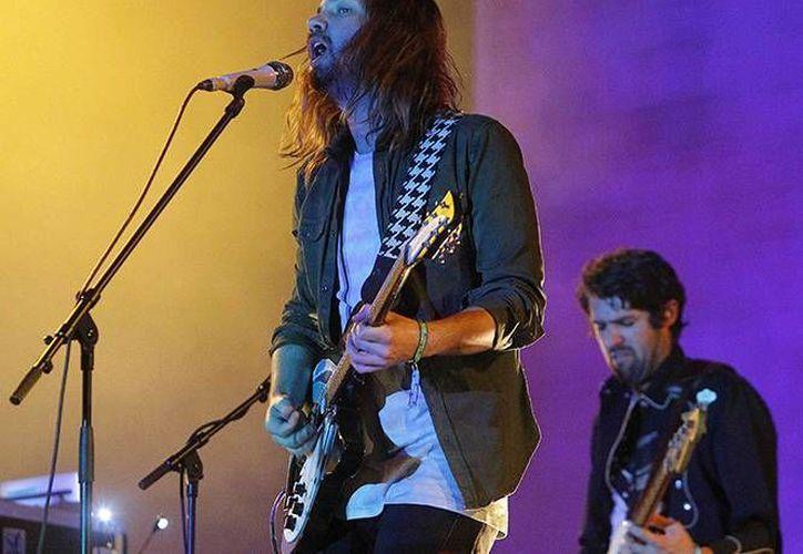 Tame Impala compartió escenario con la agrupación LCD Soundsystem, en el primer día de actividades del Festival. (EFE)