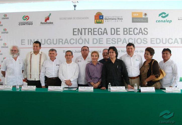 En el marco de una visita a Cancún del Mtro. Perea Curiel, se realiza este jueves 27 de noviembre una ceremonia en el plantel Cancún 3. (Cortesía/SIPSE)