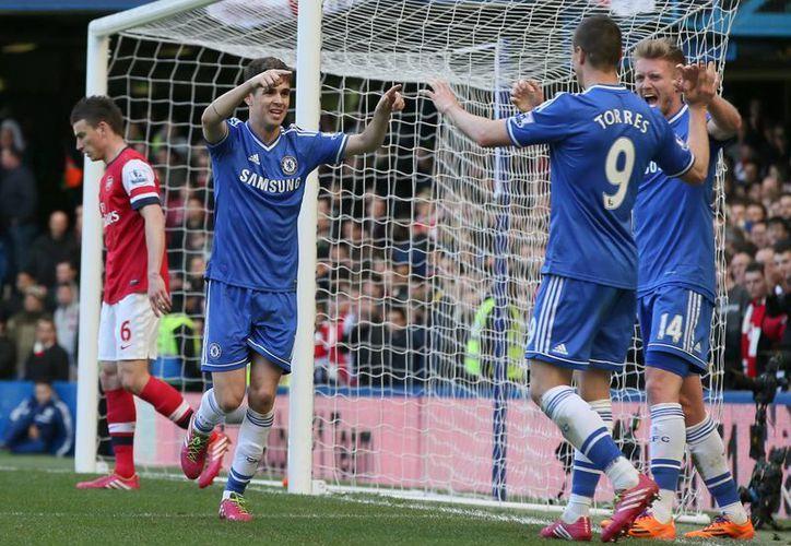 El Chelsea le recetó seis tantos al Arsenal. (Foto: Agencias)