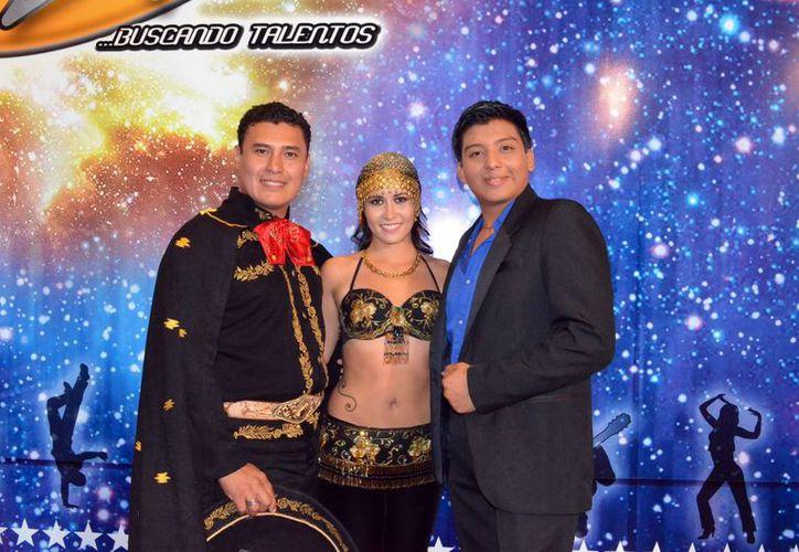 Los cantantes Eduardo Salazar Rodríguez, Rodolfo Cárdenas Cachón y la bailarina Lucía Arachavala Mercadillo, entre los últimos calificados. (Theani Ruz)