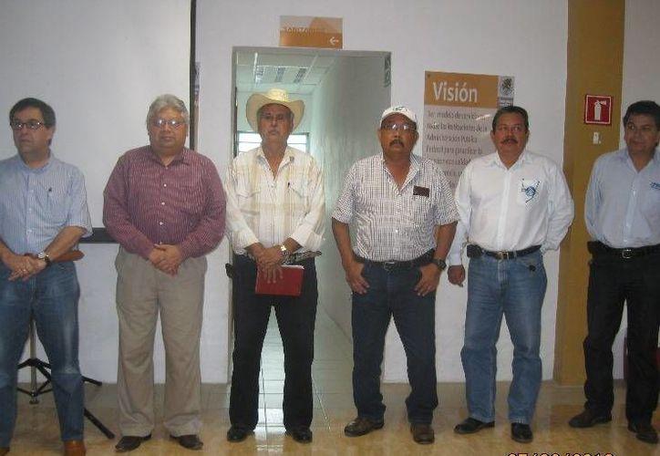A la reunión asistieron cerca de 30 consejeros pertenecientes a diferentes órganos de gobierno. (Edgardo Rodríguez/SIPSE)