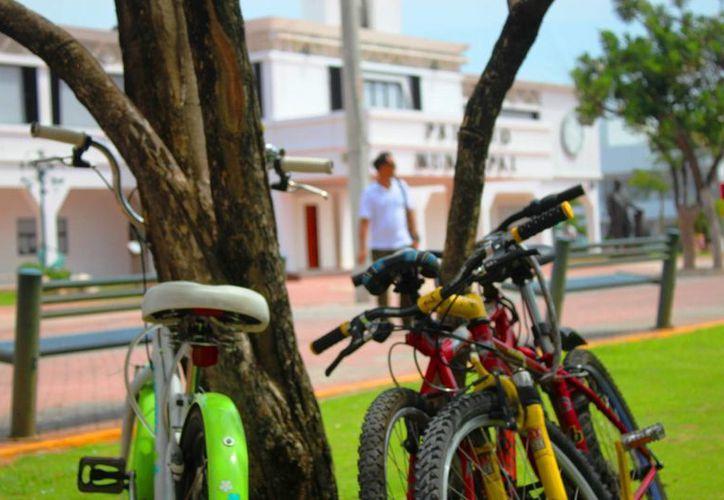 Los ciclistas de Playa del Carmen emitieron 10 recomendaciones a las autoridades para beneficiar a los usuarios de bicicletas. (Daniel Pacheco/SIPSE)