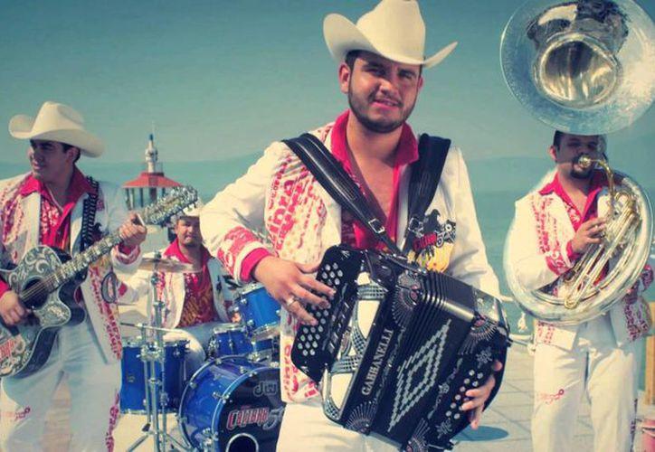 Calibre 50, uno de los grupos musicales contratados para amenizar las fiestas de San Javier. (YouTube)