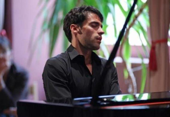 El mexicano Jorge Viladoms brindará el recital 'Luz de Luna' en el Carnegie Hall a beneficios de niños de escasos recursos que estudian música. (formulaclasica.com/Foto de archivo)