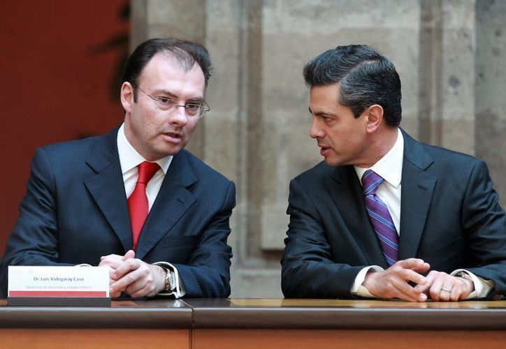 El secretario de Hacienda, Luis Videgaray, reportó un sueldo de 145 mil 284 pesos. (Archivo/Notimex)
