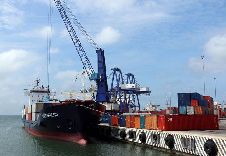 La ubicación geográfica de Yucatán facilita la exportación vía marítima. Imagen de la terminal remota de Progreso. (Milenio Novedades)