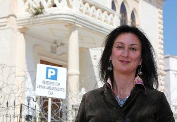 Daphne Caruana Galizia, de 53 años, había salido de su casa en el poblado de Mosta, ubicado a las afueras de la capital de Malta, cuando la bomba explotó. (Reuters)