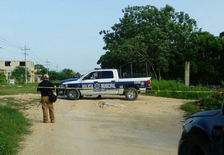 En el lugar arribaron elementos de Seguridad Pública y personal de la Fiscalía. (Eric Galindo/SIPSE)