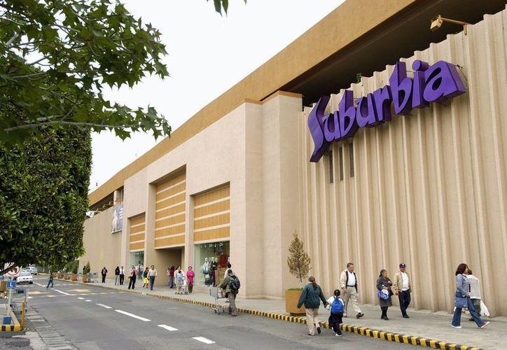 Suburbia tiene 119 tiendas que se ubican en 30 de los 32 estados de México, incluyendo la capital del país. (walmart.com)