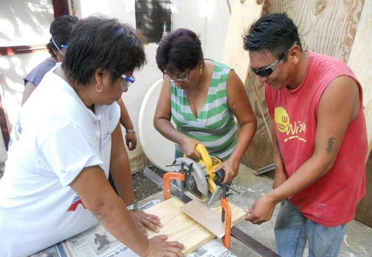 Entre los cursos se encuentra el de carpintería, electricidad, herrería, reparación de electrodomésticos, jardinería, albañilería, entre otros. (Redacción/SIPSE)