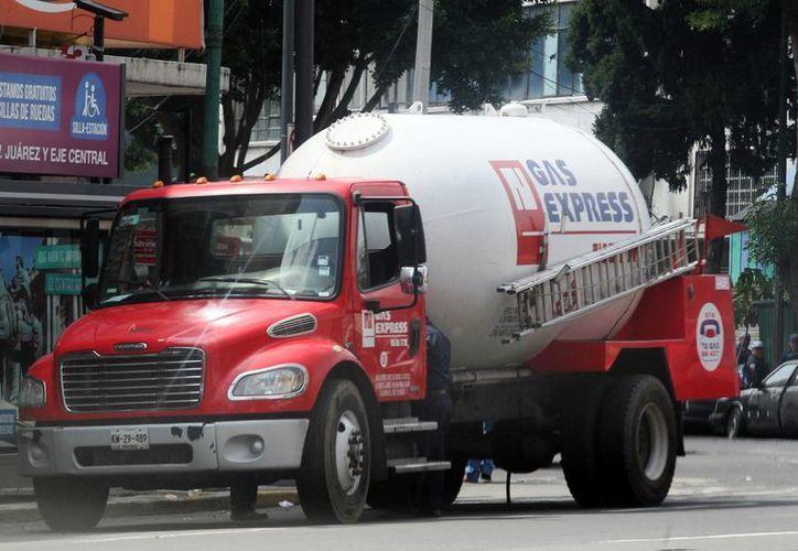 Los equipos y recipientes de distribuidores de gas LP estarán sujetos a un programa anual de mantenimiento. (Archivo/Notimex)