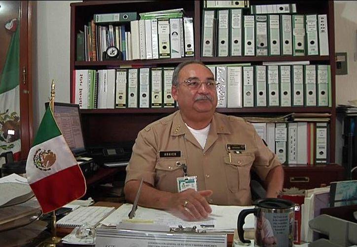 El capitán de puerto, Elías Córdoba, destacó la labor informativa de Grupo SIPSE. (Milenio Novedades)