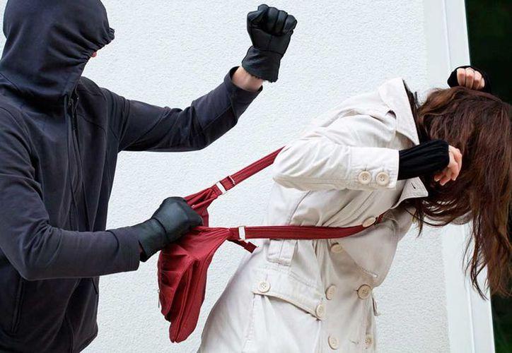 En redes sociales se difunde un video de un asalto a una mujer en el Centro de la Ciudad de México. (Foto: Contexto)