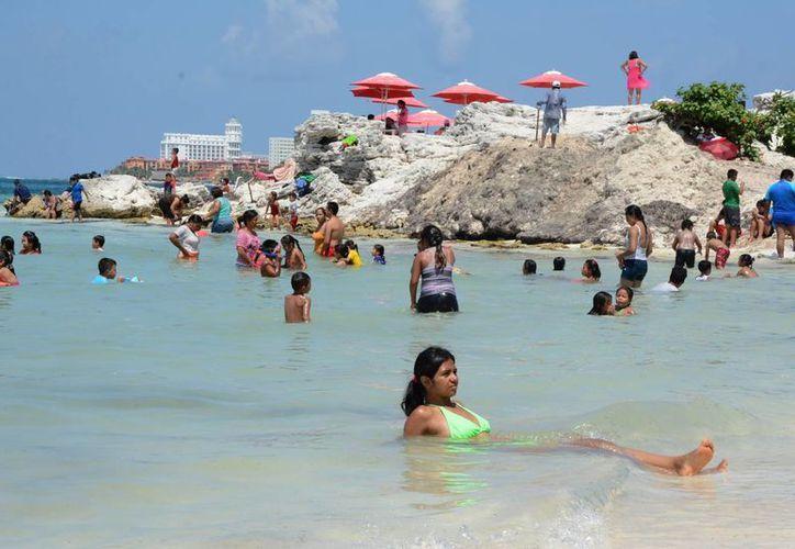 En la primera parte del verano, han llegado más de 65 mil turistas. (Victoria González/SIPSE)