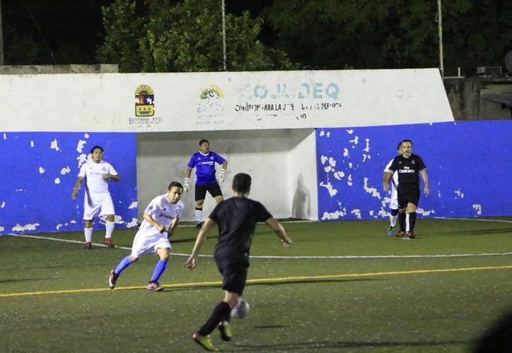 Capa y Deportivo UNE, fueron los equipos que se llevaron los respectivos puntos al vencer a sus rivales en turno. (Miguel Maldonado/SIPSE)
