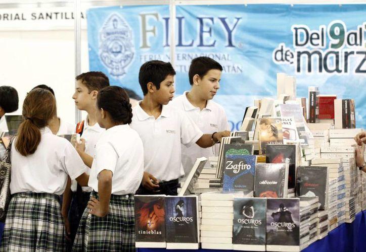 El espacio Campus France Mérida participa en la Feria Internacional de la Lectura Yucatán. (Christian Ayala/SIPSE)