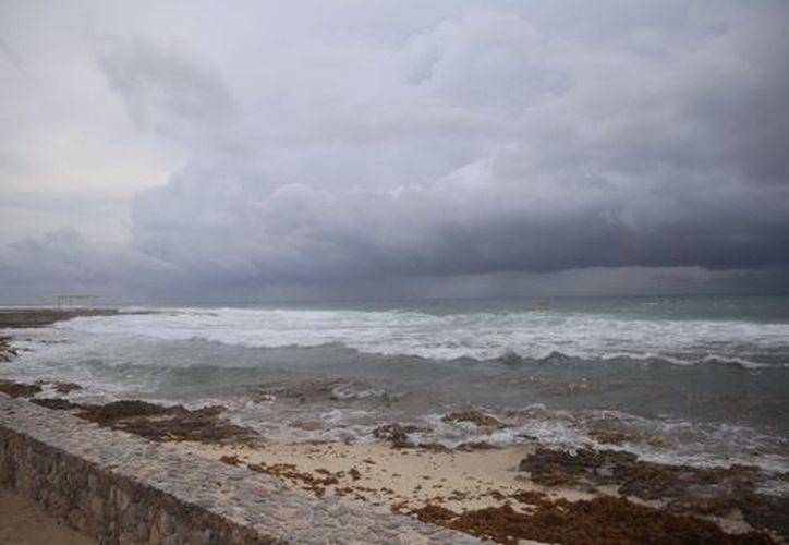 Debido al mal tiempo que deja Franklin, en Cozumel se canceló la llegada de un crucero. (Foto: Contexto/Milenio)