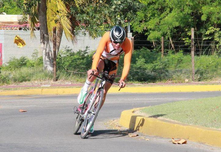 Los ocupantes de los tres primeros lugares fueron, Jorge Flores, Eduardo Lara Cocom y Jorge Sabido. (Alberto Aguilar/SIPSE)