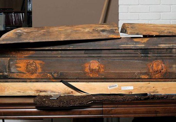 El ataúd de Lee Harvey Oswald fue desenterrado y desocupado en octubre de 1981. (independent.co.uk)