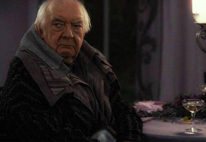 El actor David Ryall en su papel de mago Elphias Doge, de la saga de Harry Potter. (excelsior.com.mx)